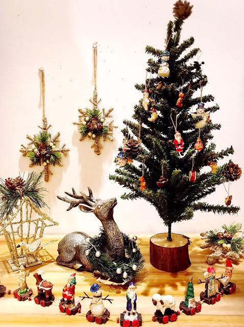 7029 HUG select Christmas ornament table tree 40cm Christmas trees