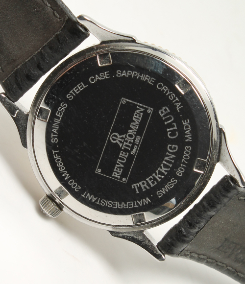 评论Tomen山间途步俱乐部石英200m黑色表盘SS手表REVUE THOMMEN人
