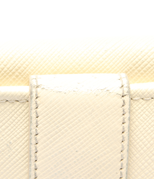 afde3e0e94c4 フェラガモガンチーニWホック二つ折り財布JL-224639白SalvatoreFerragamoレディース【中古】