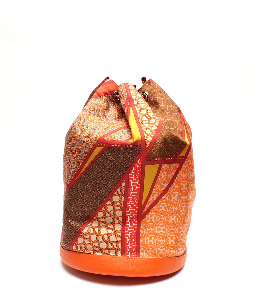 【中古】美品 エルメス ソワクール22  巾着バッグ 刻印 □Q シルク×エバーカラー レディース HERMES