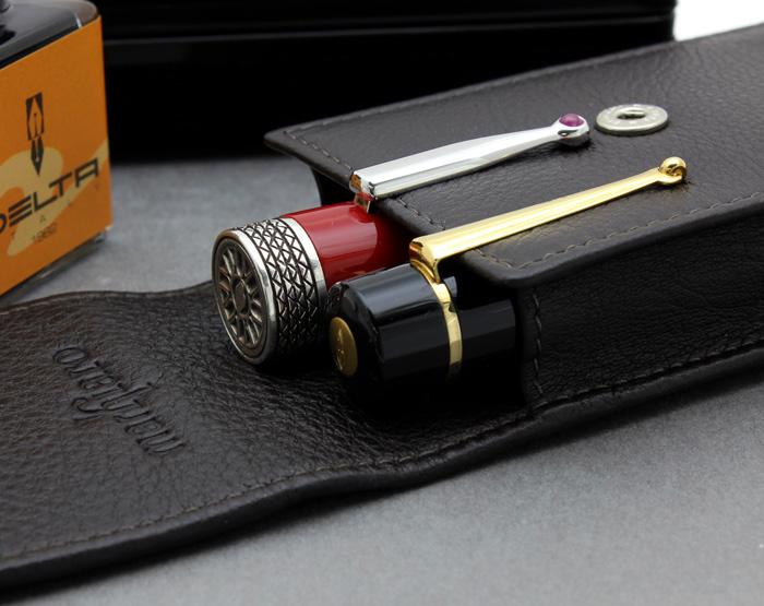 笔皮套布朗提出三个大三角洲生产 !精挑细选的工匠熟练的意大利最佳小腿皮肤 (小腿肚) 使用 !