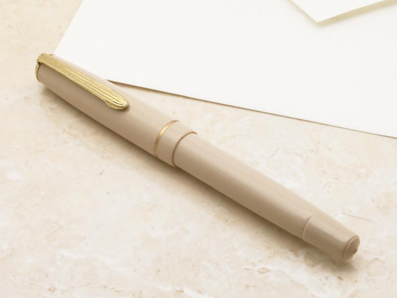 特殊的笔尖活塞充填器钢笔1950年代德国制造古董的魅力/象牙