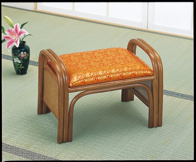 座椅子 足腰・膝をいたわるせいたわる正座椅子 籐ご仏前金欄座椅子 イス・チェア 籐製 座椅子 座イス 座いす 椅子 いす イス チェア チェアー 姿勢 腰痛 コンパクト 北欧 シンプル クッション 座布団 リラックスチェアー リビング フロアチェア フロアチェアー 一人掛け