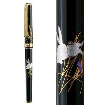 箔一:華麗な装飾美と究極の書き心地「金沢箔万年筆 月とうさぎ」