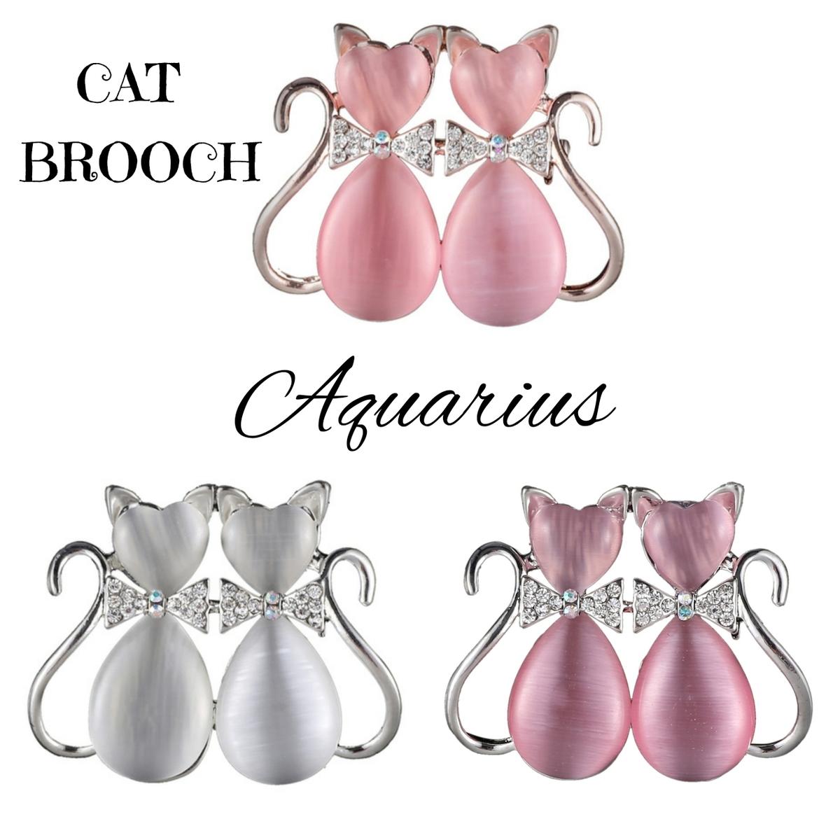 キラキラ輝くリボンをつけた2匹の猫の後ろ姿♪しっぽも ちょーキュート★ 3カラーからお選びいただけます。 スワロフスキー の リボン をつけた猫 ( ネコ ) の ブローチ★ギフトポーチ付き★