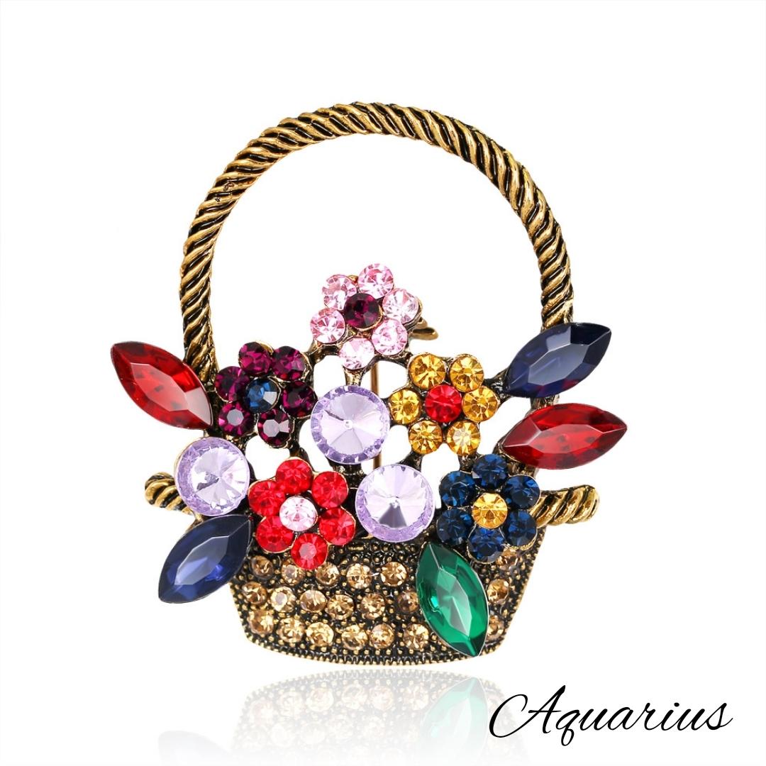 スワロフスキーの花がバスケットに入ったかわいいブローチです 年齢問わずお使いになれますのでプレゼントにも是非☆ 即日出荷 スワロフスキー フラワー ブローチタイプ 新作続 バスケット A