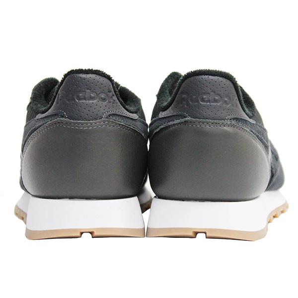 Reebok CL LEATHER ESTL Reebok classical music leather essential sneakers  shoes men gap Dis unisex black white present gift commuting attending school 854c2502d