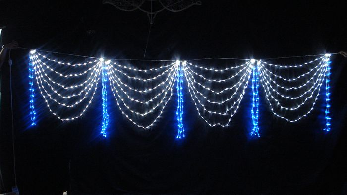 アウトレット 軒先や壁面から垂れ下がるカーテン状のライト 爆売り LED イルミネーション ブルー×ホワイト 屋外仕様 ドレープライト