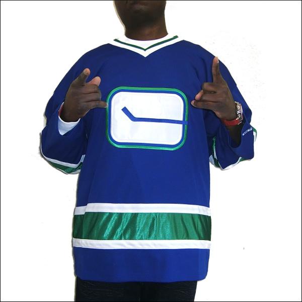 Vancouver Canucks (バンクバーカノックス) replica  アイスホッケーシャツ #1【LUONGO】hockey jersey アイスホッケー ゲームシャツ 大きいサイズメンズ メンズ大きいTシャツ ヒップホップ衣装 ダンス 衣装 ジャージ