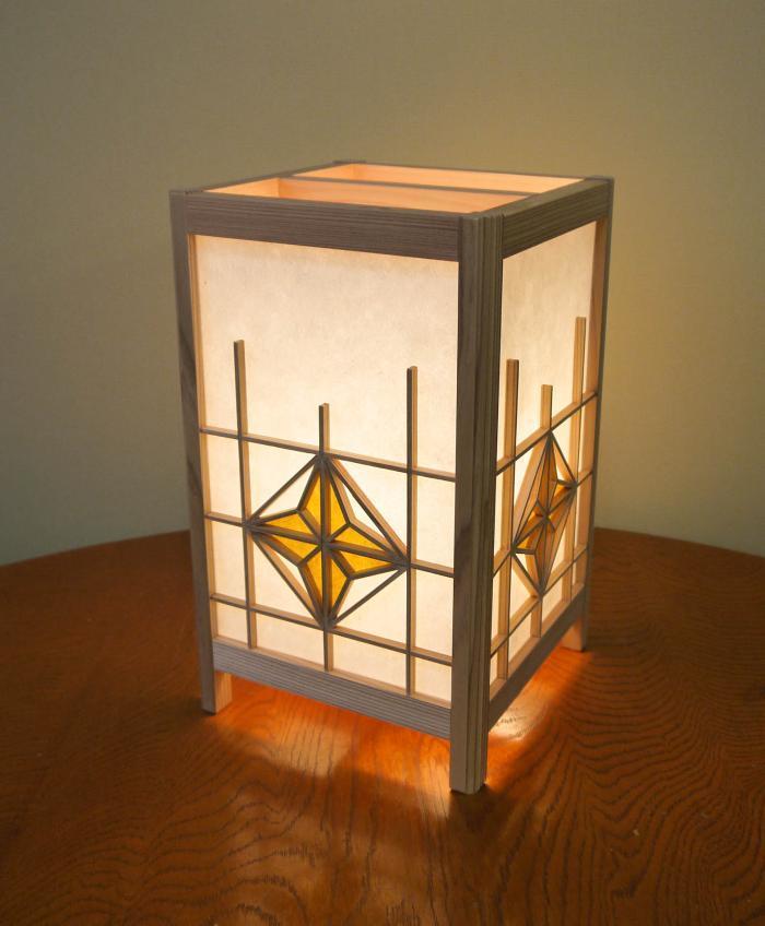 ADTP-1645 角行灯「匠」 Mサイズ 楮和紙 無地きなり 朝顔組子 染和紙デザイン(黄土色)