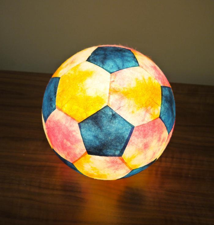 AMIO-212 球体行灯「舞」(置) サッカーボールランプ 手漉きモミ和紙(彩)