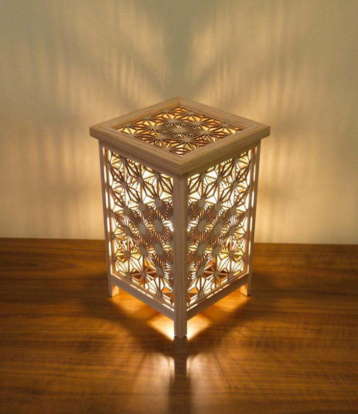 LAD-1804 レーザー行灯「趣」  Mサイズ 八重桜と麻の葉組子模様