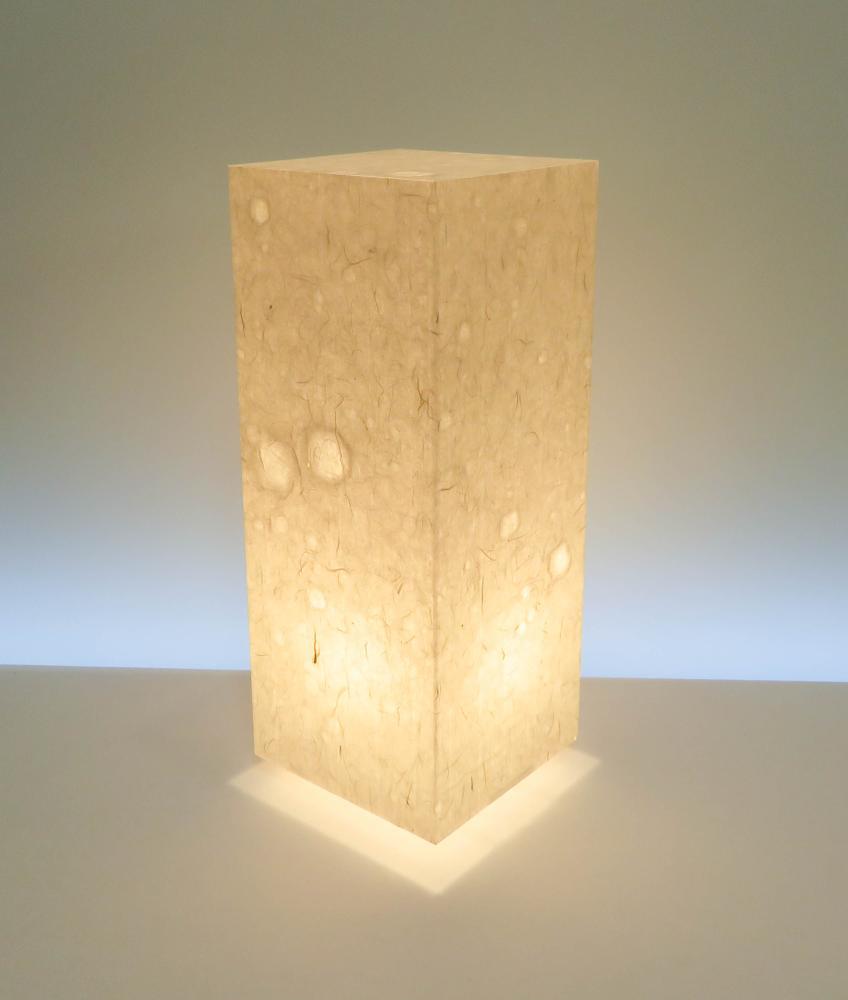 AAL-083 アクリル行灯 Lサイズ 名尾和紙使用 楮繊維入り落水紙 LED電球ホテル・和風旅館・飲食店・リラクゼーション施設などにお薦め!手漉き和紙の美しさと耐久性を組み合わせた作品です。
