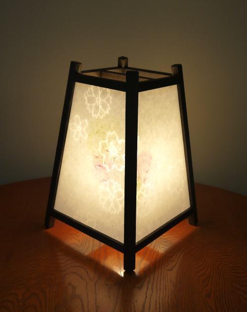 ADDP-505 手作り行灯「雅」Mサイズ 名尾和紙使用 桜透かし模様