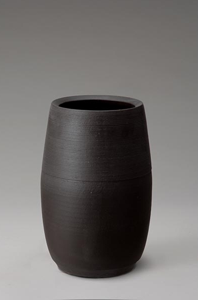 ブラックマット傘立 伝統的な味わいのある信楽焼き 傘立て 傘入れ 和テイスト 陶器 日本製 信楽焼 傘収納 焼き物 和風 しがらき