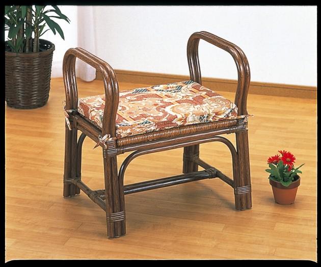 座椅子 立ち座り時に肘掛け部分がとても便利。 籐ちょこっと座椅子 イス・チェア 籐製 座椅子 座イス 座いす 椅子 いす イス チェア チェアー 姿勢 腰痛 コンパクト 北欧 シンプル クッション 座布団 リラックスチェアー リビング フロアチェア フロアチェアー 一人掛け