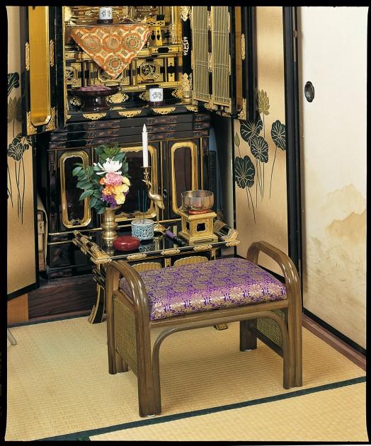 座椅子 ご仏前にふさわしい気品と風格の彩りを添えます。 籐ご仏前金欄座椅子 イス・チェア 籐製 座椅子 座イス 座いす 椅子 いす イス チェア チェアー 姿勢 腰痛 コンパクト 北欧 シンプル クッション 座布団 リラックスチェアー リビング 一人掛け 1人掛け