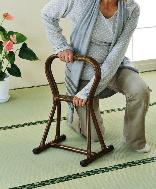 \8/8~ポイント10倍★3日間限定★/ 座椅子 天然素材の優しさを感じて 藤つかまり立ちステッキ(小) イス・チェア 座椅子 籐製 座椅子 座イス 座いす 椅子 いす イス チェア チェアー 姿勢 腰痛 コンパクト 北欧 シンプル クッション 座布団