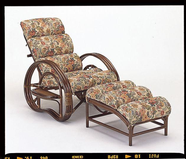 座椅子 もこもこの座面で体をフワッと支え脚を伸ばしてゆったりくつろげます。 籐もこもこリラックスチェアー&オットマン2点セット イス・チェア 座椅子 籐製 送料無料 敬老の日 母の日 父の日 ギフト プレゼント 座椅子 座いす 座イス チェア チェアー