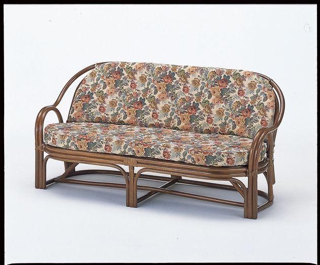 \ポイント10倍★8/15・16限定★/ 座椅子 背は美しいカゴメ編み、座面は丈夫なアジロ編みを施し、クッションを外しても使用可能で一年中を通して快適にご使用いただけます。 3Pラブソファー イス・チェア 座椅子 籐製 送料無料 ソファ ソファー 北欧