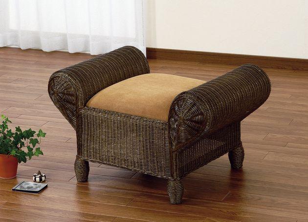 座椅子 素朴な表情とシックな色合いからは高級感が漂います。 スツール イス・チェア 座椅子 籐製 送料無料 座椅子 座イス 座いす 椅子 いす イス チェア チェアー 姿勢 腰痛 コンパクト 北欧 シンプル クッション 座布団 リラックスチェアー リビング 一人掛け 1人掛け