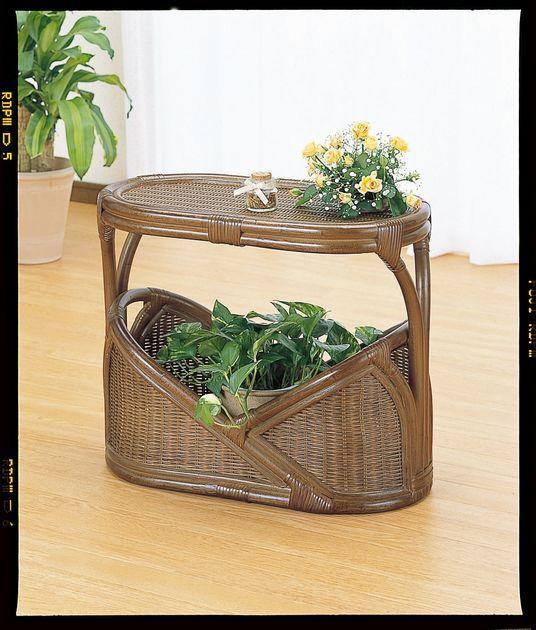 ソファーやチェアーのサイドテーブルとして場所をとらない使い易いサイズ。 籐マガジンラックテーブル ソファ ソファー 北欧 シンプル ナチュラル モダン 新生活