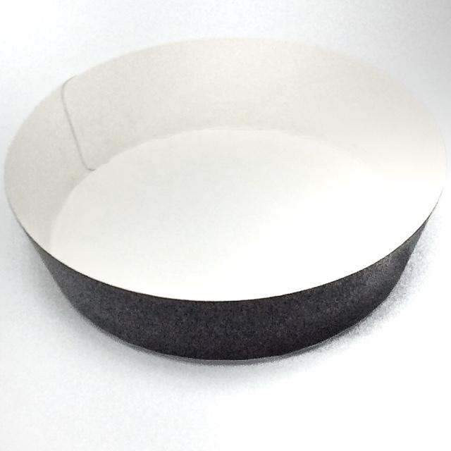 ベーキングトレー ケーキトレー ベーキングカップ 丸いトレー ラウンドココット(ブラック)(100枚×10本) 耐熱性あり 耐油未加工