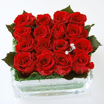 【プリザーブドフラワー リングピロー】【送料無料】【エッチング】ガラス花器に記念日を刻みます♪エターナル(スクエア)(完成品))【納期約2週間】