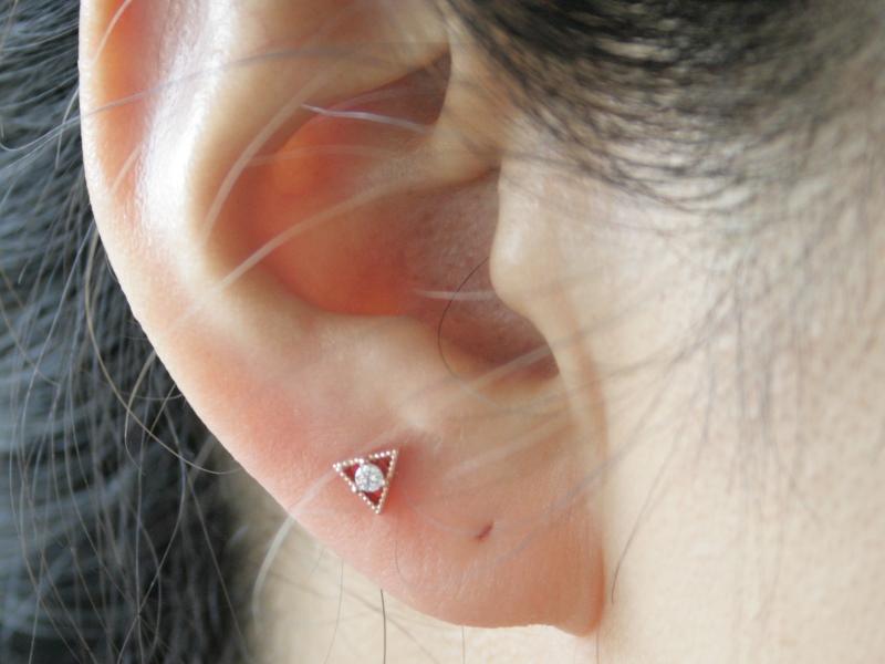 Triangle Body Piercing Ear Pierced Earrings Cartilage One Dm Service Working Under 16g Stone