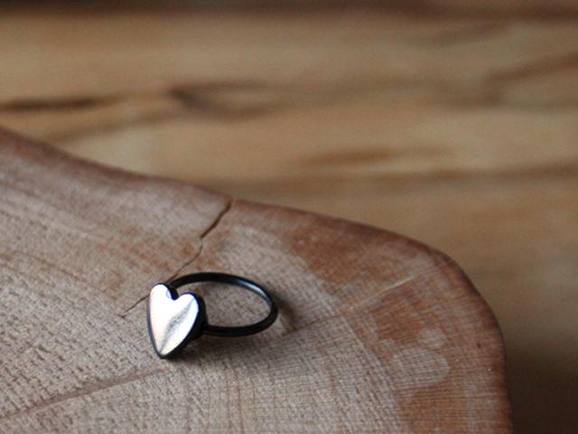 18 Gauge Cartilage Will Come Heart Ear Uni Body Piercing He Sophias Belly On Dm Flights
