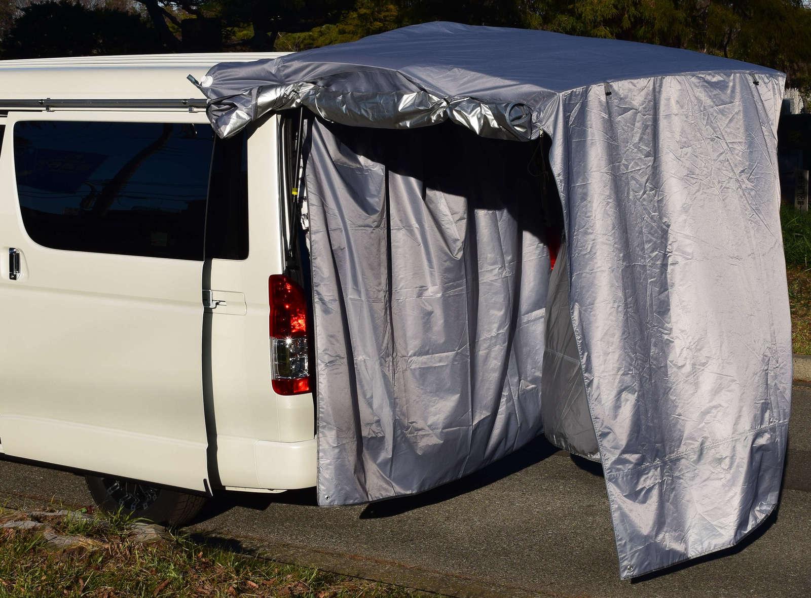 レジャーをもっと快適に ハイエースワゴン ハイエースワイド お気にいる など 大型車にも使用可能 わずか1分で作れる プライベート空間 簡単に更衣室を確保できます 大型リアゲート グレー色 車中泊 タープ 遮光生地 iBeamed テント 背面シルバー カーテン バックドア 買い物