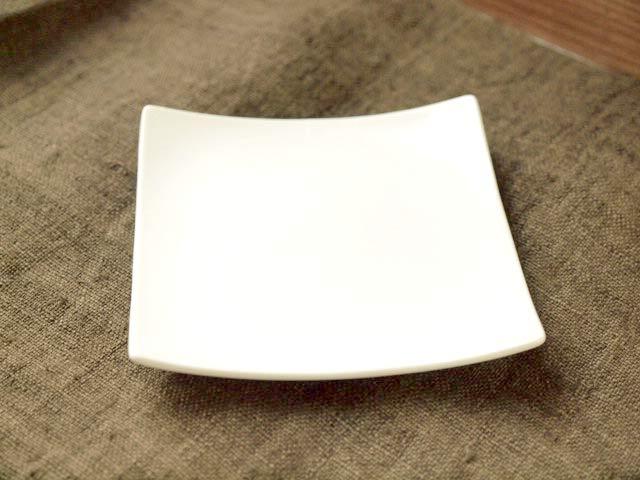 大人ッぽい 大決算セール 25%OFF 和洋折衷使えるオシャレな四角いプチ皿 モノクロプレート