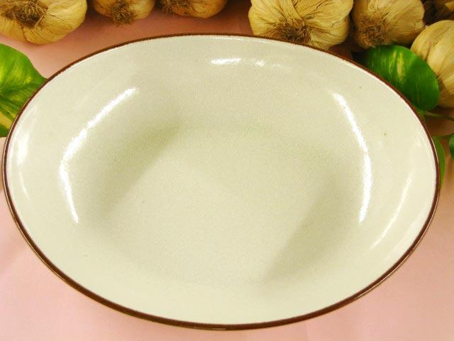 茶色のフチ取りがポイント 淑 人気の定番 ご注文で当日配送 カレー皿1枚