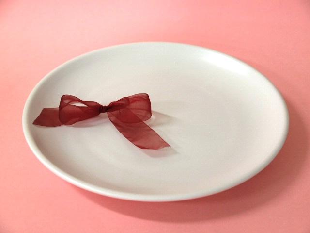 おしゃれなマット地 商品 マットホワイトたまぶち皿 1枚 大 国内即発送