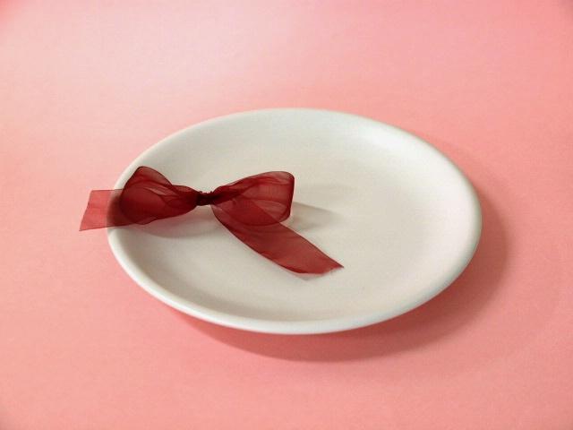 おしゃれなマット地 マットホワイトたまぶち皿 新色追加して再販 中 購買 1枚