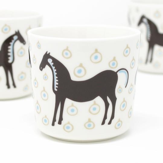 正規販売店 北欧 食器 コーヒーカップ 陶器 容量200ml 公式通販 marimekko マリメッコ No.185 1個単位 ラテマグ 90 TAMMA 馬 ムスタタンマ 気質アップ MUSTA