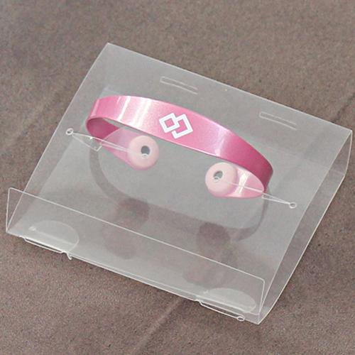 A magnetic bracelet (Colantotte) Palette Color is abundant.