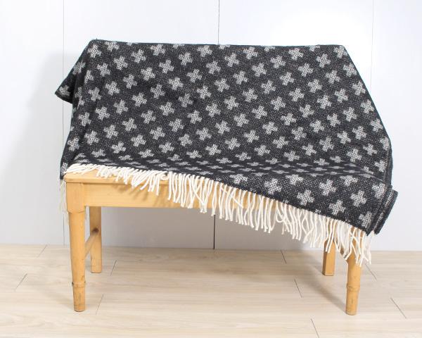 クリッパン プラス ウール スローケット 130×200cm ブラック KLIPPAN Plus 【毛布 ブランケット ひざ掛け】【あす楽対応】【ラッキーシール対応】
