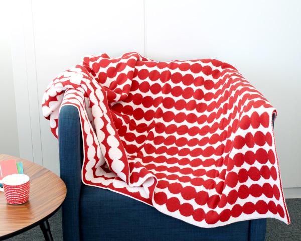 【廃番品】マリメッコ ラシィマット ブランケット 130×182cm ホワイト/レッド marimekko RASYMATTO 【北欧 毛布 カバー】【ラッキーシール対応】