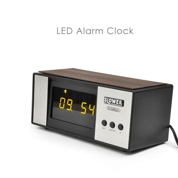置き時計 LED Alarm Clock アラームクロック SLOWER bradhom インテリアクロック ウッド調 目覚まし時計 LEDクロック