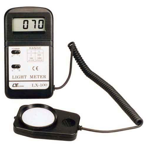 【人気商品】【送料無料】MT・デジタル照度計