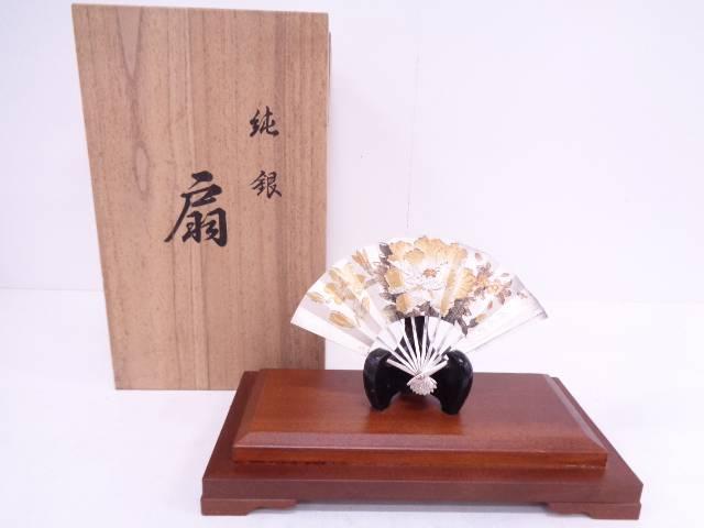 【IDN】 義秋刻草花紋純銀扇飾り置物【中古】【道】
