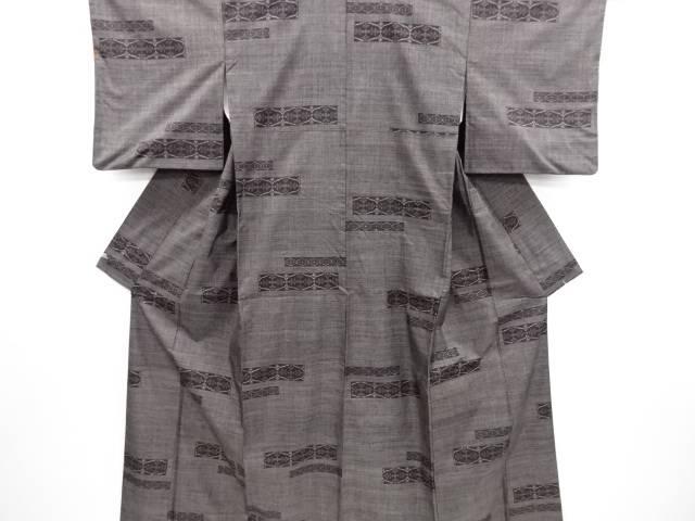 【IDN】 横段に更紗模様織り出し本場泥大島紬着物(5マルキ)【リサイクル】【中古】【着】