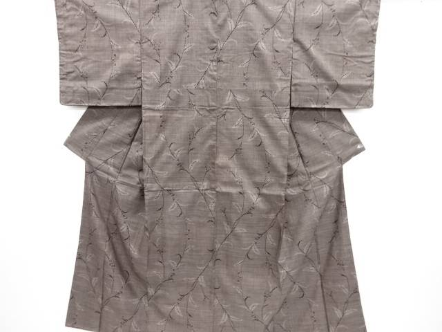 【IDN】 未使用品 仕立て上がり 草花模様織り出し本場泥大島紬着物(5マルキ)【着】