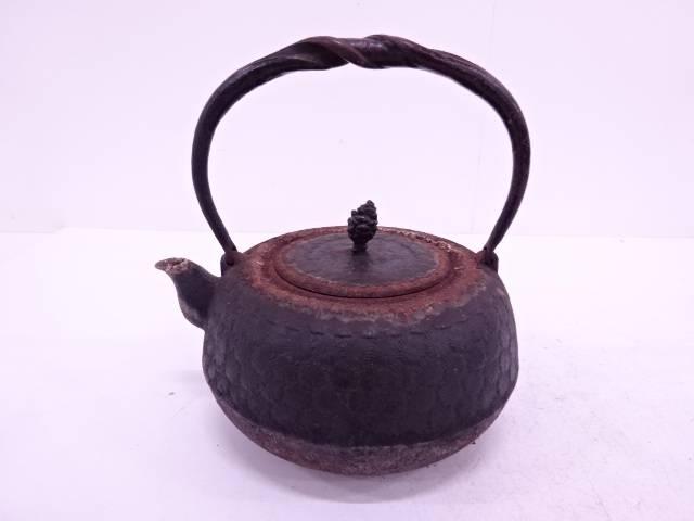 【IDN】 岩鋳製 南部鉄器唐松地紋鉄瓶【中古】【道】