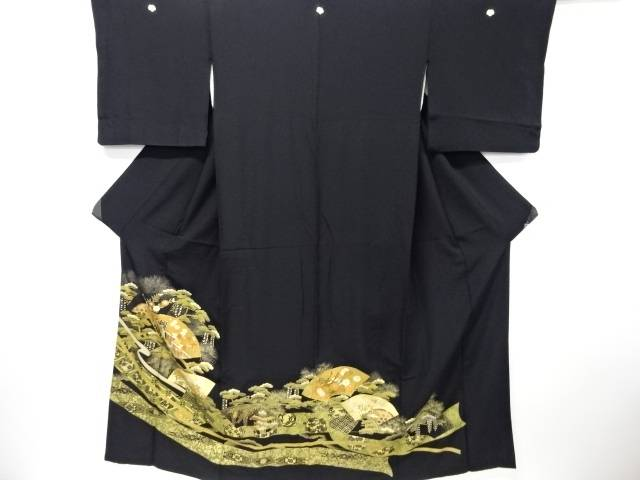 【IDN】 金彩地紙に御所車・松・菊・萩模様刺繍留袖(比翼付き)【リサイクル】【中古】【着】