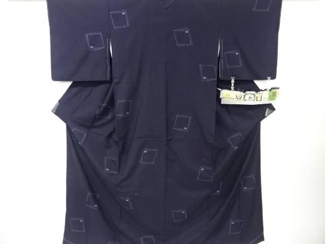 【IDN】 未使用品 仕立て上がり 変わり色紙模様織出本場結城紬100亀甲着物(石下)(おく玉)【着】