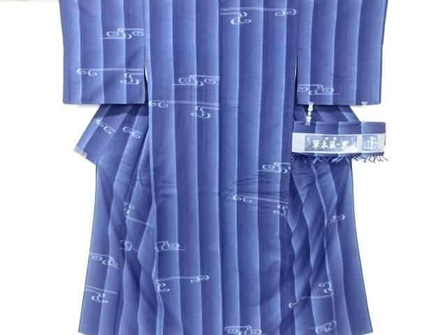 【IDN】 草木藍染縞に流水模様織り出し手織り真綿紬着物(絣三人衆)【リサイクル】【中古】【着】