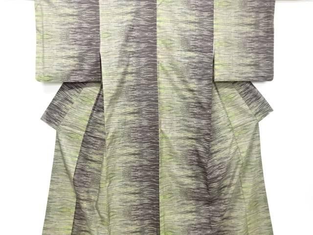 【IDN】 よろけ横段模様織り出し本場泥大島紬着物【リサイクル】【中古】【着】