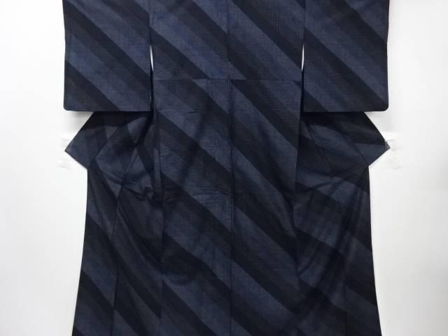【IDnet】 斜め縞模様織り出し本場結城紬100亀甲着物(石下)【リサイクル】【中古】【着】